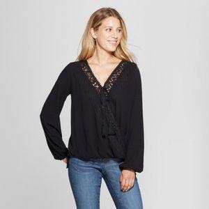 NWT Knox Rose Black Knit Long Sleeve V-neck Top